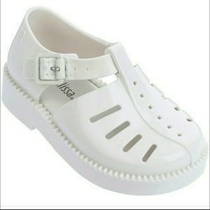 Other - New Mini Melissa Aranha shoes size 5